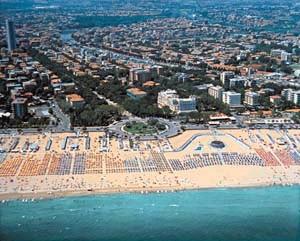 (la spiaggia di Rimini)