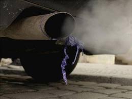 Inquinamento atmosferico: tra caro benzina  e aria malsana.