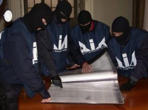 Mafia: sequestro di beni sul filo Cosa nostra-casalesi