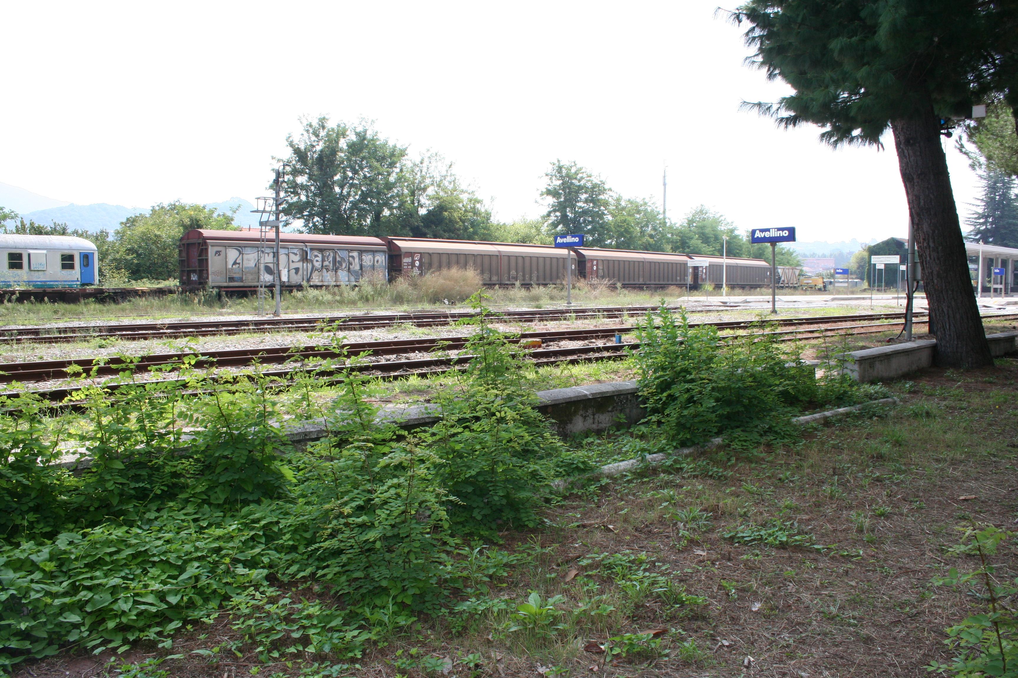 foto stazione abbandonata