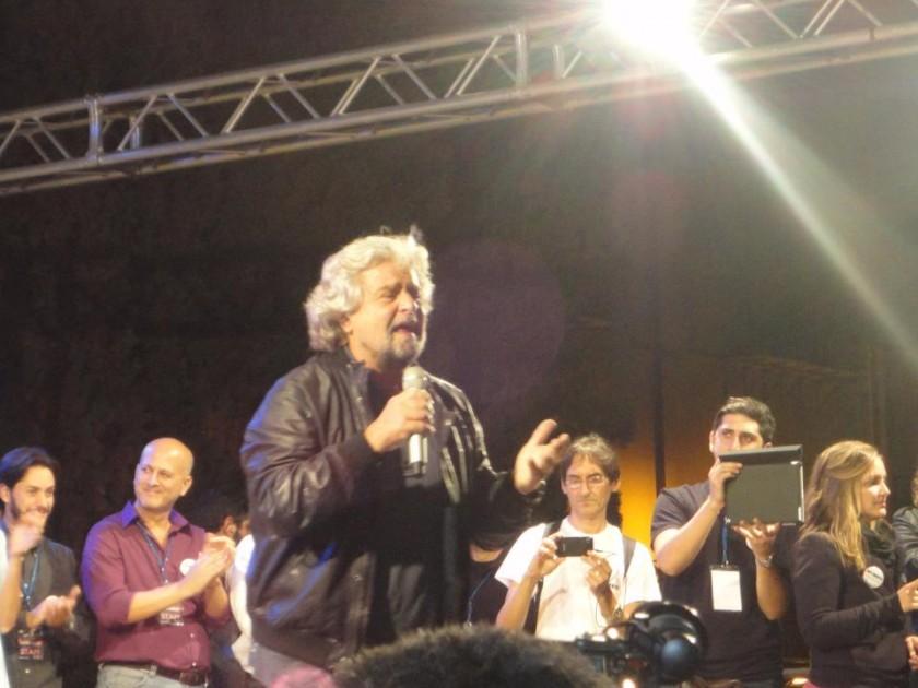 Grillo comizio a Palermo foto di Luca Mangogna