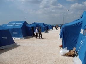 Migranti, lo spettro della rivolta: una tendopoli non basta