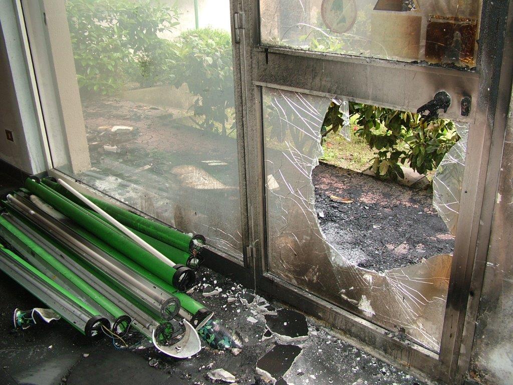 Incendio Sanitaria 2005 015