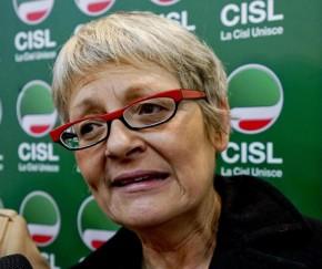 Annamaria Furlan, segretario generale della Cisl, durante un incontro organizzato dal sindacato, Napoli, 21 aprile 2015. ANSA /CIRO FUSCO