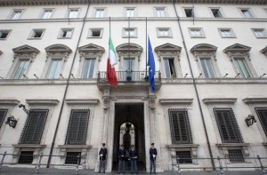 The Italian flag iat half mast at Palazzo Chigi in Rome after terrorism attacks in Paris, 14 November 2015. ANSA/CLAUDIO PERI