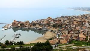 1454155033-0-castellammare-del-golfo-non-e-piu-paese-ora-e-classificata-come-citta