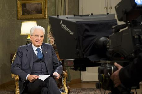 Italian President Sergio Mattarella during the year-end speech to Italians at Quirinale Palace in Rome, Italy, 31 December 2015. ANSA/QUIRINALE PRESS OFFICE/FRANCESCO AMMENDOLA +++ ANSA PROVIDES ACCESS TO THIS HANDOUT PHOTO TO BE USED SOLELY TO ILLUSTRATE NEWS REPORTING OR COMMENTARY ON THE FACTS OR EVENTS DEPICTED IN THIS IMAGE; NO ARCHIVING; NO LICENSING +++