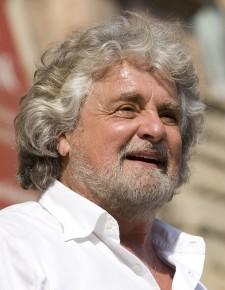 """Beppe Grillo e i """"vaffa silenziosi"""" agli ortodossi"""