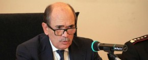 Le perquisizioni della Polizia contro Messina Denaro, la festa dei Carabinieri e a Castelvetrano prende corpo la protesta contro... i commissari
